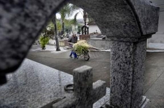 Cemitério Municipal De Barra Mansa Se Prepara Para O Feriado