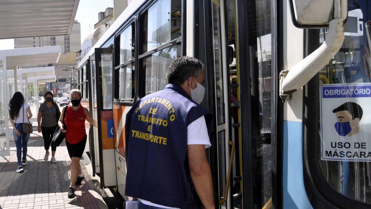 Secretaria de Ordem Pública realiza fiscalização em transporte coletivo e  veículos irregulares – Destaque Popular